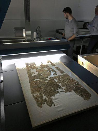 Digitization operation of canvas in Arkhênum workshops